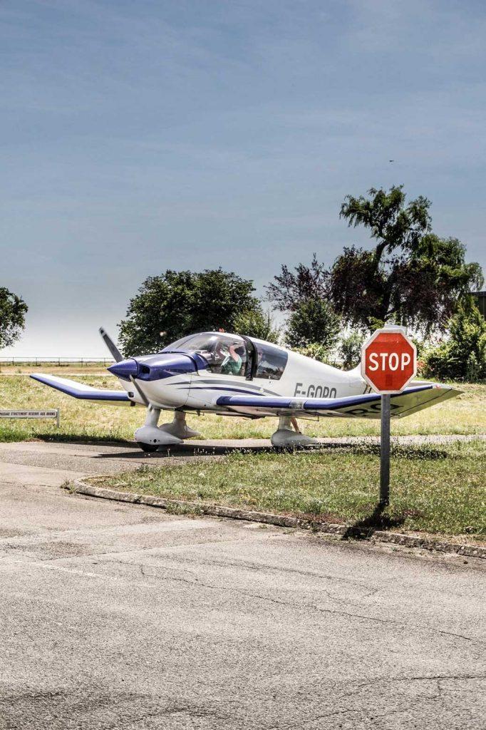 DR400 à l'arrivée aux ateliers Robin-Aircraft