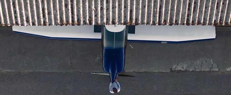 Marek Madl Louis benaben vidéo aéronautique DR400 DR1052 D92