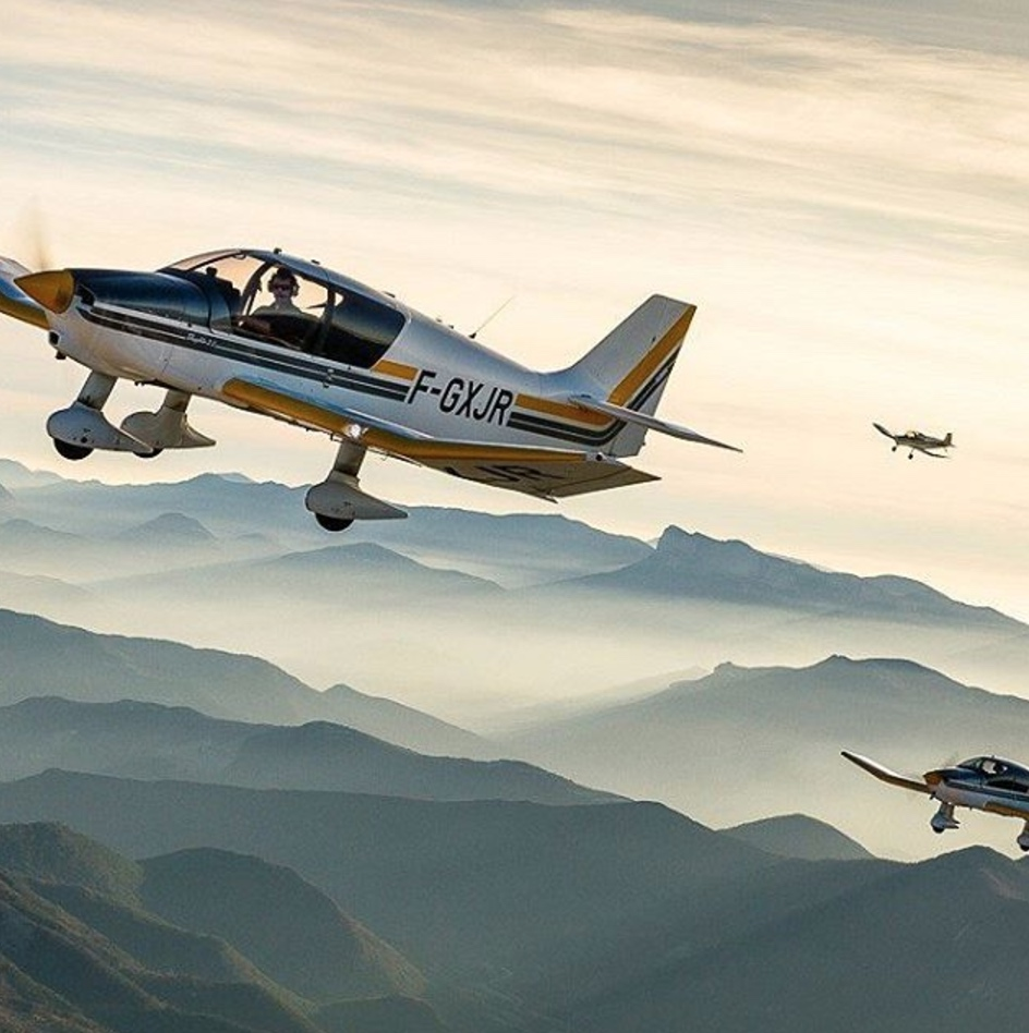 INSTAGRAM: Aviation_things - vol en formation DR400 Robin Aircraft