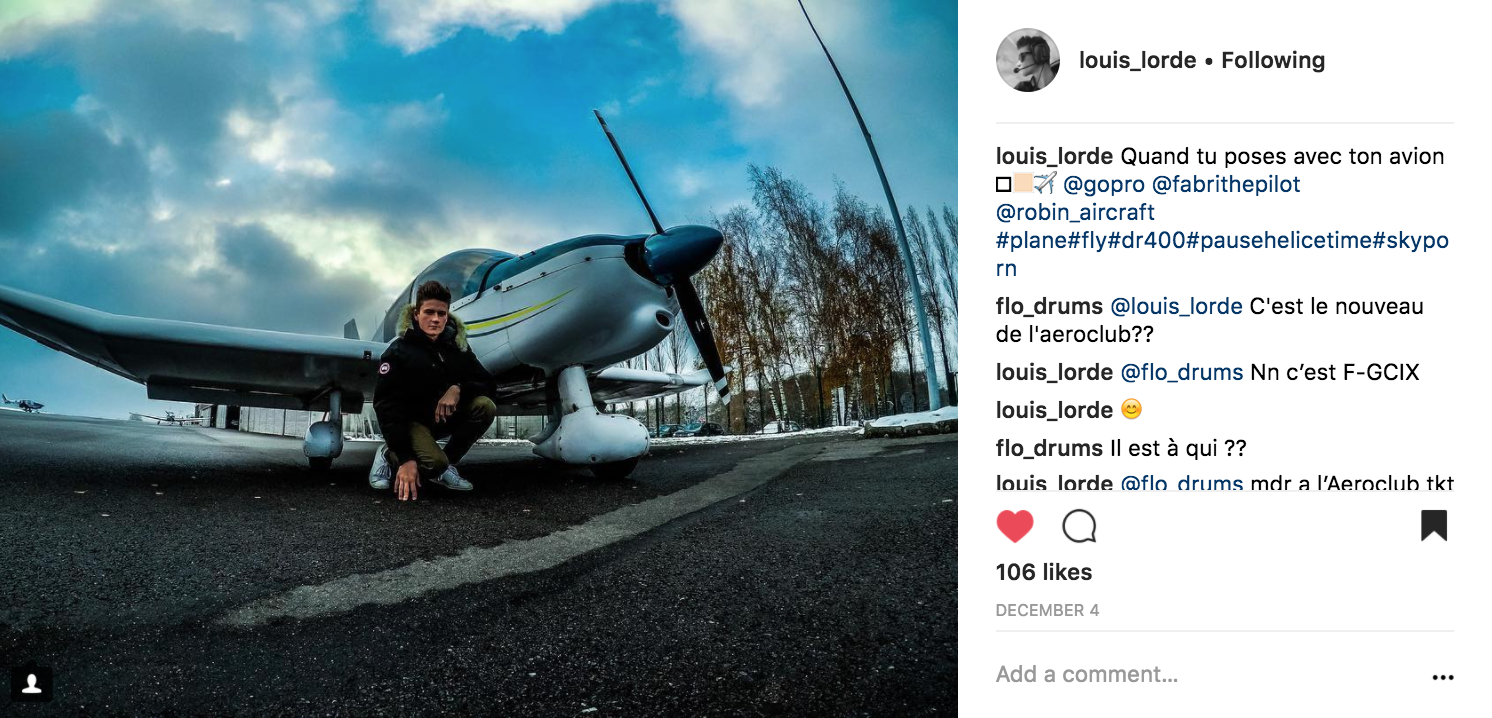 I stand in front of the plane - louis_lorde